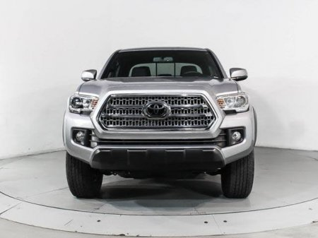 Toyota Tacoma thumbnail 1